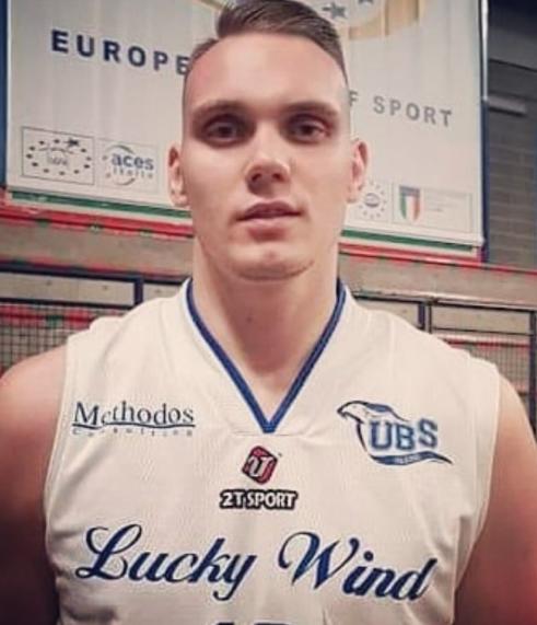 Grande cuore Lucky Wind, recupera e vince a Pesaro dopo un supplementare